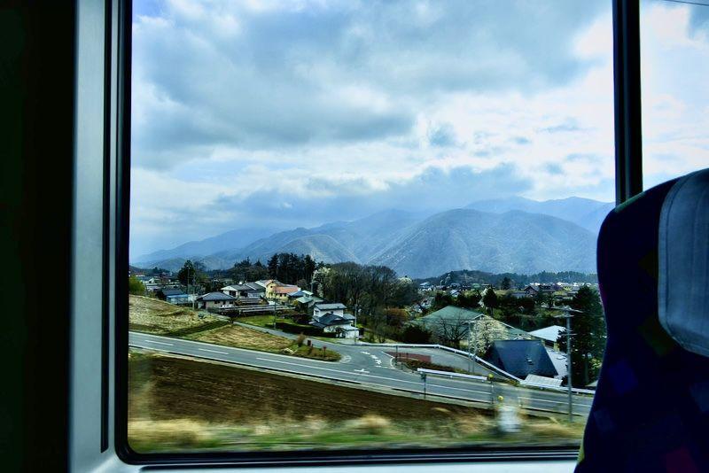 昼行便のバスなら最高な眺めに出会えるかも